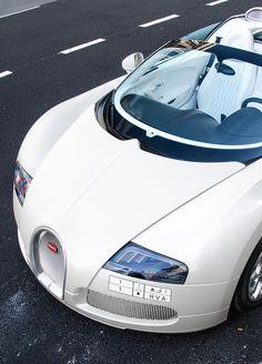 Bugatti Veyron Grand Sport :) rePined by http://insureturbo.com/quote/