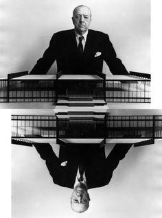 Mies Van der Rohe davant la maqueta de l'edifici principal de l'Illinois Institute of Technology - IIT, de Chicago. Avui fa 126 anys del naixement de l'arquitecte pioner.    De: cavicaplace.blogspot.com