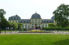 #Schloss #Poppelsdorf in der Poppelsdorfer Alee | Poppelsdorf #Palace in #Bonn, #Germany