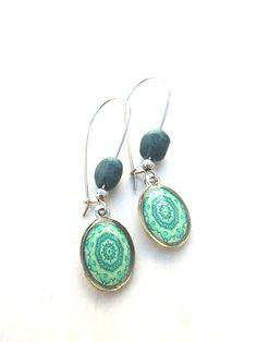 silver color earrings with green Mandala (S-247e) van Dome's Design op DaWanda.com