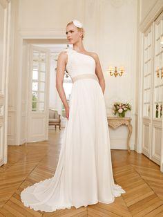 Pronuptia Paris Bridal Gown Style - Mandele