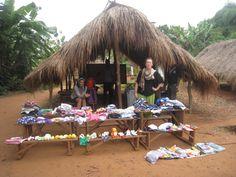 La remise de tous les dons à Bolou