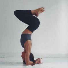 yoga photography \ yoga + yoga poses + yoga poses for beginners + yoga fitness + yoga quotes + yoga inspiration + yoga outfit + yoga photography Ashtanga Yoga, Yoga Bewegungen, Sup Yoga, Yoga Flow, Yoga Headstand, Yoga Inversions, Handstands, Yoga Meditation, Yoga Images