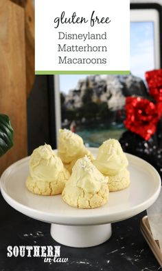 Disneyland Matterhorn Macaroons Copycat Recipe - Bring Disneyland into your home with this gluten free and allergy friendly copycat recipe. Buttery shortbread meets coconut macaroons and creamy white chocolate in this delicious Disney cookie recipe Coconut Macaroons, Macarons, Healthy Cookies, Healthy Snacks, Mickey Cupcakes, Disney Cookies, Recipe Generator, Disney Food, Creamy White