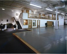 Boulder Green Architect: Rodwin Architecture is an award winning Design / Build firm known for excellent customer service and expertise in sustainable design, for residential and commercial projects of all sizes across Colorado and the US. Martial Arts Gym, Aikido Martial Arts, Karate School, Karate Dojo, Home Gym Design, Garage Design, Wallpaper Samurai, Academia Jiu Jitsu, Jiu Jitsu Gym
