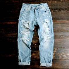 light vintage wash distressed boyfriend jeans   shophearts.com   I love this website!!