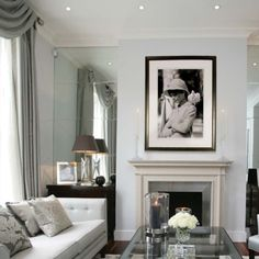 Katharine Pooley is a luxury interior designer, interior design studio & home furnishings boutique based in London crafting refined and luxurious interiors. Interior Design London, Interior Design Companies, Home Interior, Luxury Interior, Kitchen Interior, Modern Interior, Classic Decor, Luxury Home Accessories, Living Room Decor
