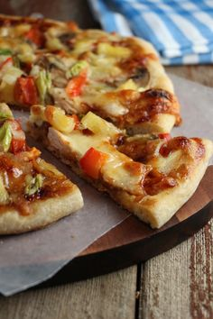 Hawaiian BBQ Turkey Pizza | Eat In Eat Out Magazine