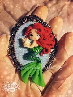 Ariel pendant