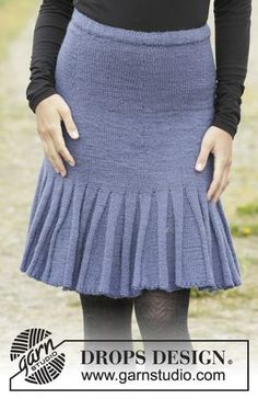 """Flirty Skirty by DROPS Design Knitted DROPS skirt with flounce at the bottom, worked top down in """"Karisma"""". Size: S - XXXL. Free Pattern"""