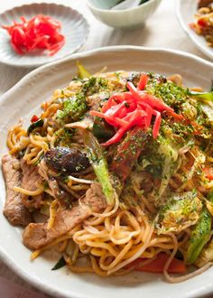 Yakisoba (焼きそば) is the Japanese version of stir fry noodles. Noodles are cooked with sliced pork and plenty of vegetables, then coated with special sauce. Asian Recipes, Healthy Recipes, Ethnic Recipes, Lamb Recipes, Asian Foods, Delicious Recipes, Breakfast Recipes, Dinner Recipes, Stir Fry Noodles
