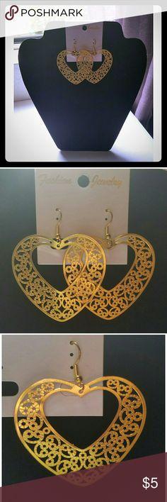 ☇FLASH SALE☇Gold Heart Shaped Fashion Earrings Gold Heart Shaped Fashion Earrings  2.5 L x 2 W Jewelry Earrings