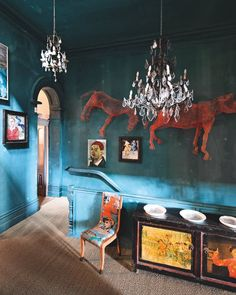 Entre deux escaliers, un palier aux couleurs éclatantes - Marie Claire Maison