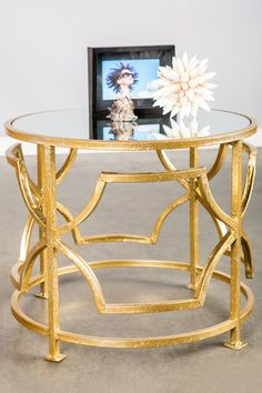 #gold #sidetable #NashvilleHomes #NashvilleRealEstate #NealClaytonRealtors #decorating #design #interior #HomesforSale www.nealclayton.com