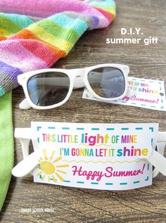 This Little Light of Mine Sunglasses Printable. A $1 end of year gift idea!