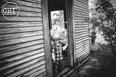 ChiChi Photography » Lubbock | Plainview – Location Photography - Child Poses Boy Rustic