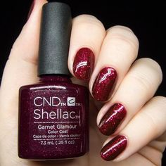 Lovely and Vibrant Shellac Nail Designs Manicure - Nails C Schellacknägel Red Shellac Nails, Shellac Nail Designs, Gel Nail Tips, Glitter Gel Nails, Red Nail Polish, Gel Nail Colors, Nail Manicure, Christmas Shellac Nails, Manicures