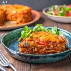 This Syn Free Enchilada Lasagne combines all the flavours of chilli, with gooey cheese and soft tortilla wraps - and its Dinner For One, Sloppy Joe, Diet Dinner Recipes, Cooking Recipes, Keto Recipes, Food Network, Bon Appetit, Enchilada Lasagne, Chili