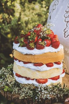 Strawberry Elderflower Chiffon Cake | 32 Edible Flowers - The Complete List Of Flowers You Can Eat & Flower Recipe Ideas