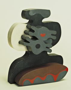 jean (hans) arp(1886-1966), birds in an aquarium, c. 1920. painted wood, 25.1 x 20.3 x 11.4 cm. the museum of modern art, new york, usa https://www.moma.org/collection/works/81181?locale=en