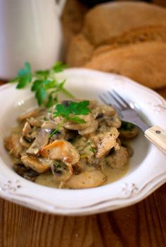 pollo a la forestier TMX Pollo Guisado, Pollo Chicken, Meat Lovers, Poultry, Chicken Recipes, Curry, Food And Drink, Healthy Eating, Favorite Recipes