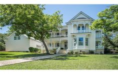 832 Belvin St is a 19th century classic that exemplifies the Victorian period of architecture and is rich with history. Take a look at whats known as: The Grand Dame of Belvin St.  Bed | 6  Bath | 6 Full  Est. Sq. Ft. | 5,441