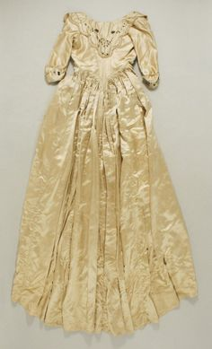 Robe a l'anglaise, 18th century (probably 1780's) From the Metropolitan Museum of Art