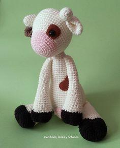 Con hilos, lanas y botones: La vaca Lola