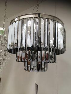 Lampe mit Spiegelglas Elementen.
