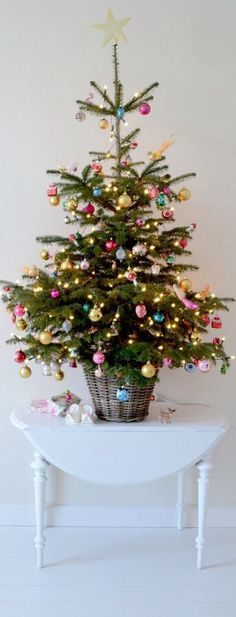 Popular Christmas Tree Design And Decor Ideas For Small Apartment - Christmas is a unique time of year, and a prime piece of Christmas, other than family and other friends and family, is positively the Christmas tree. Christmas Tree Design, Christmas Tree In Basket, Tabletop Christmas Tree, Christmas Trends, Little Christmas Trees, Beautiful Christmas Trees, Pink Christmas, Christmas Tree Decorations, Christmas Holidays