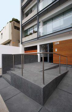 rampa de acceso / entrance ramp