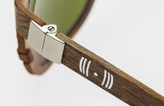 Lenti polarizzate colore verde bottiglia, montatura in legno barrique, manca solo il profumo di vino. Barrique Eyewear, the perfect gift for wine lovers...  #BarriqueEyewear - Old Barrel Creative Use  barriqueeyewear.it