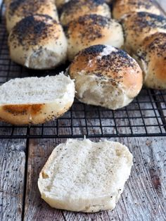 Norwegian Food, Hamburger, Clean Eating, Food And Drink, Bread, Baking, Healthy, Recipes, Kitchen