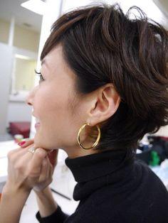 髪型についてお返事します の画像|田丸麻紀オフィシャルブログ Powered by Ameba Older Women Hairstyles, Short Bob Hairstyles, Cool Haircuts, Cool Hairstyles, Salt And Pepper Hair, About Hair, Pixie Cut, Fine Hair, Short Hair Cuts