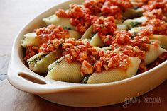 Spinach Stuffed Shells with Meat Sauce   Skinnytaste (9 servings, 360 calories per serving, can add browned meat)