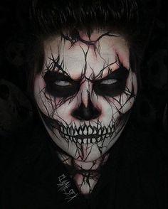 13 Days Of Halloween Day 1: Cracked Skeleton