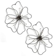 Poppy Flower Metal Art, Garden Wall Art (Depending on the color of the wall it could also be painted with outdoor paint.) by flora Wire Hanger Crafts, Wire Crafts, Metal Crafts, Metal Tree Wall Art, Metal Art, Sculpture Art, Sculptures, Stylo 3d, Outdoor Wall Art