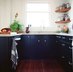 House Call with Los Angeles Jeweler Kathleen Whitaker, Echo Park, Kitchen paint cabinet color avocado peel by martha stewart Navy Cabinets, White Kitchen Cabinets, Kitchen Dining, Kitchen Decor, Navy Kitchen, Kitchen Ideas, White Counters, Kitchen Drawers, Kitchen Tips