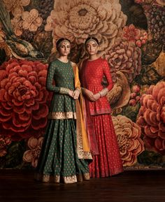 Indian fashion has changed with each passing era. The Indian fashion industry is rising by leaps and bounds, and every month one witnesses some new trend o Lehenga Designs, Indian Attire, Indian Ethnic Wear, Pakistani Outfits, Indian Outfits, Indian Clothes, India Fashion, Asian Fashion, Fashion Men