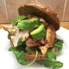 All hail the chicken and avocado bagel Double tap if this is a bit of you Bodycoach Recipes, Joe Wicks Recipes, Cooking Recipes, Lean Recipes, Paninis, Lean In 15, Sandwiches, Lean Meals, Avocado