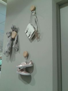 Visual Merchandising | Display | Great idea for limited wall space!