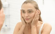 Looking for the best cleanser for oily, acne-prone skin? We rounded up a few of our favorite face washes for oily, acne-prone skin, here! Acne Prone Skin, Oily Skin, Best Face Wash, Skin Rash, Normal Skin, Peeling, Tips Belleza, Best Face Products, Good Skin
