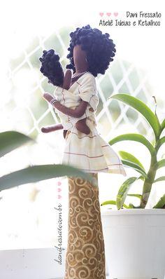 Ideias e Retalhos por Dani Fressato: Boneca Negra com Bebê no Wrap Sling