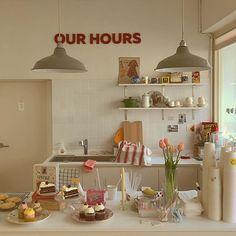Cafe Shop Design, Cafe Interior Design, Kitchen Interior, Kitchen Decor, Cute Kitchen, Aesthetic Rooms, Room Goals, Farmhouse Style Kitchen, Cozy Place