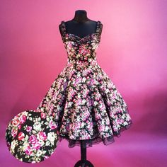 Entdecke lässige und festliche Kleider: Petticoatkleid 50er Jahre Mode Kleid made by Rockabillymode 50er Jahre Petticoatkleider Brautkleider via DaWanda.com