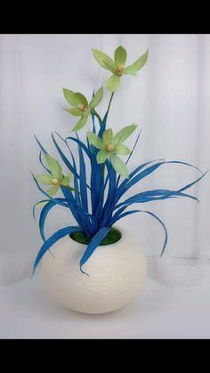 Diy Crafts Hacks, Diy Crafts For Gifts, Easy Crafts, Paper Crafts, Nylon Flowers, Diy Flowers, Paper Flowers, Diy Furniture Videos, Flower Video