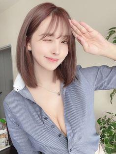 Rêve Nippon — ❤️ College Girls, Girl Pictures, Asian Woman, Bikini Girls, Cute Girls, How To Look Better, Feminine, Celebrities, Pretty