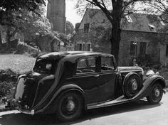 1938 Saloon by Thrupp & Maberly (chassis B115LE, design B1276) for E.H. Arnold