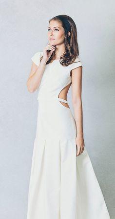 Wedding Dress, Elizabet Stuart, contemporary bride, elegant, wedding inspiration, wedding ideas, naked back, strap back, low back, unique wedding dress