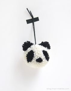 Are you looking for some panda-themed activities to entertain the kids? Here are 14 Perfect Panda Craft Ideas for Kids to Make. Pom Pom Crafts, Yarn Crafts, Fabric Crafts, Diy Crafts, Crafts For Kids To Make, Diy Projects To Try, Craft Projects, How To Make, Craft Ideas